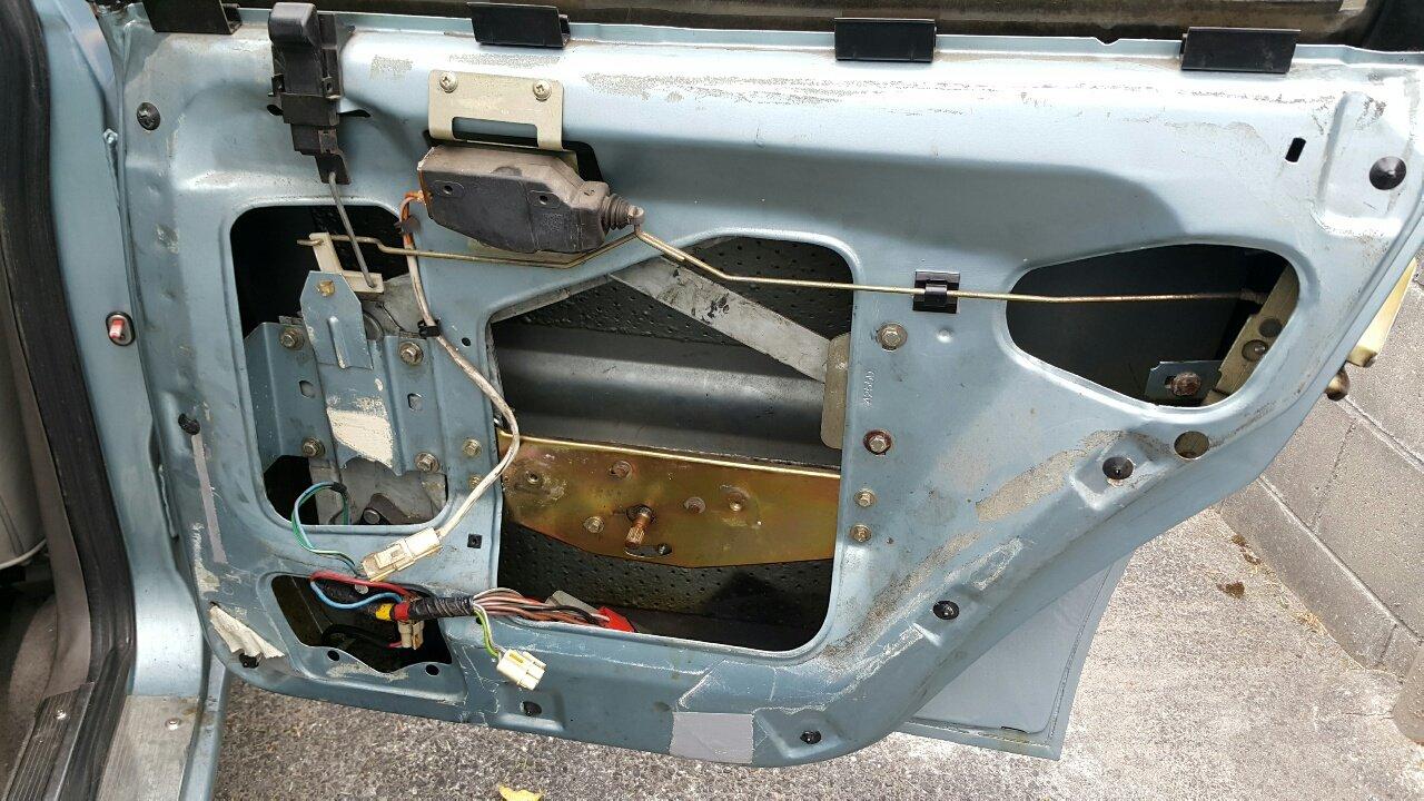 Rover SD1 Headunit Install & Window Reg Replacement