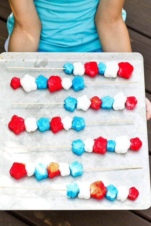 Patriotic Marshmallow Sparklers: A quick and easy edible craft that would be great for your Independence day gathering!