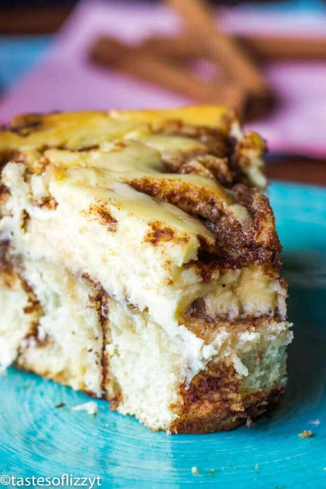 Cinnamon Roll Cheesecake Recipe {with Vanilla Powdered Sugar Glaze}