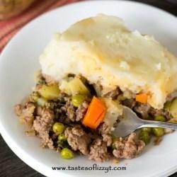 Paleo Shepherd's Pie {Healthy Casserole Recipe with Potatoes}