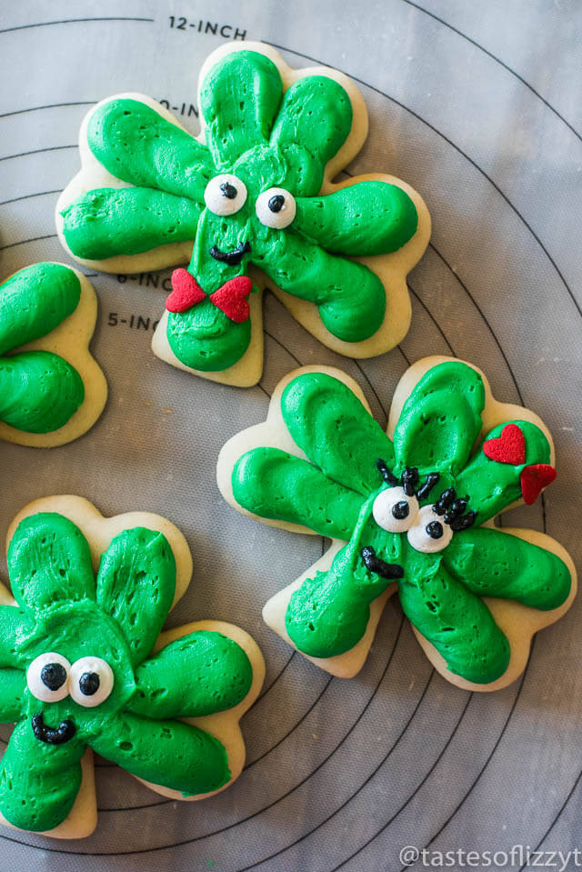 st-patricks-day-frosted-shamrock-cookies-2