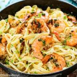 Shrimp Alfredo Pasta Recipe closeup