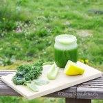 Jus de fanes de radis, kale et citron #vegan