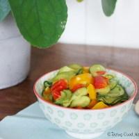 Tasting Good Naturally : Ça vous dit de découvrir un repas express : courgettes et poivrons au lait de coco et curry #vegan ? Les légumes d'été sont là, profitons-en !