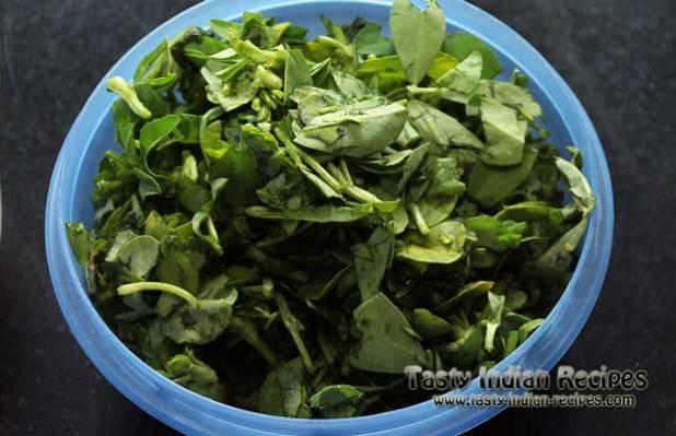 Methi Pakora Recipe Step1