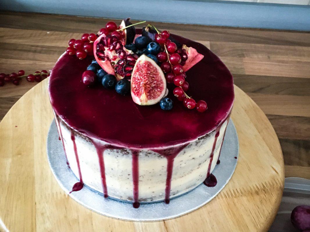 Good ... Habe Ich Die Perfekte Gelegenheit Bekommen Meinen Ersten Semi Naked  Cake Zu Backen, Denn Für Sie Darf Ich Im November Eine Hochzeitstorte Machen,  ...