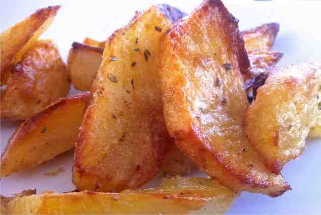 Τραγανές πατάτες φούρνου λεμονάτες συνταγή