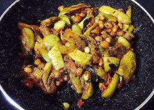 IMG_9930-300x215 Eggplant (Brinjal) Peanut Curry