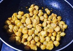 IMG_0575-300x210 Creamy Soya Chunk Curry