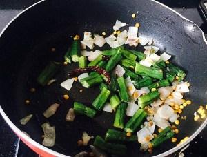 IMG_0806-300x228 Okra Lentil Soup/ Bhindi Sambar/Vendaikkai Sambar
