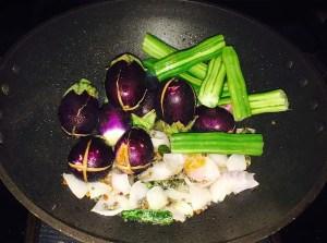 IMG_0895-1-300x223 Eggplant Drumstick Gravy/Muringa Brinjal Puli Kolambu