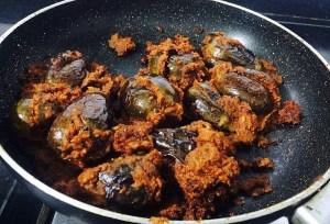 IMG_1735-300x204 Stuffed Dry Small Eggplant/Baingan Bharke/Ennai Kathirikai