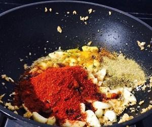 IMG_2701-300x250 Garlic Pickle/Lasoon Achar/Poondu Oorugai