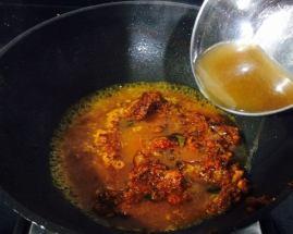 WhatsApp-Image-2017-08-10-at-12.04.19-PM-1-300x240 Vadai Kolambu (Tamilnadu Style)/ Lentil Fritters in Tamarind and Coconut Gravy