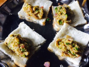 IMG_3499-300x225 Green Peas and Potato Sandwich