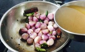 IMG_3507-300x183 Shallot Sambar/Chinna Vengaya Sambar/Small Onion Sambar