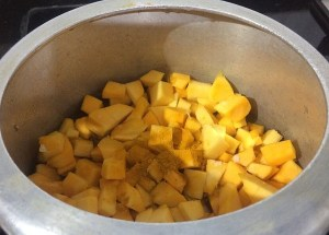 IMG_4638-300x215 Yellow Pumpkin and Black Eyed Beans Curry/Kerala Mathankai Vanapayuru Erissery