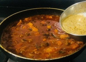 IMG_8041-300x216 Yam and Chick Pea Curry/Senai Kadalai Curry