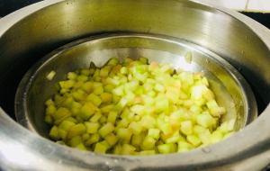 QHIO0816-300x190 Water Melon Rind Poriyal