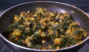 JZOB5829-300x176 Chenopodium Potato Curry/Bathua Aloo Ki Subzi/Paruppu Urulai Keerai