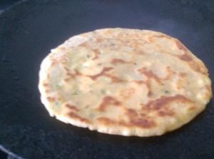 HLAI5346-300x223 Stuffed Paneer Paratha / Cottage Cheese Paratha