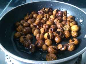 QHCD0482-300x223 Dried Turkey Berry in Lentil Gravy/Sundakkai Vathal Sambar