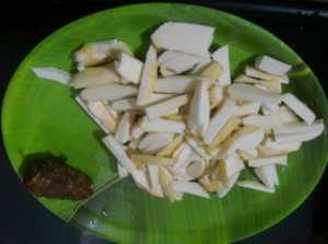 SQFX1403-300x223 Colocasia or Taro Root Fry/ Chembu Mezhukku Puratti
