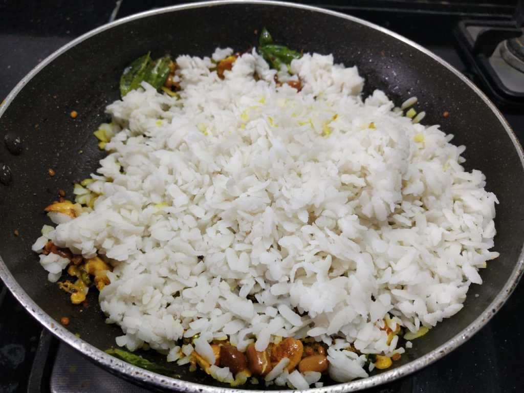 CTKF6948-1024x768 Lemon Poha/ Lemony Flatted Rice/Elumichai Aval
