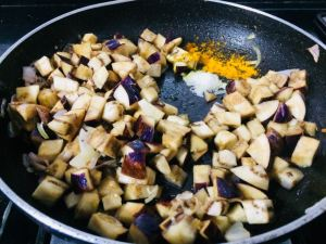 HJRM2523-300x225 Eggplant Stir fry/Kathirikai Poriyal
