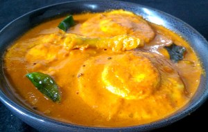 IYXI9997-300x191 Steamed Egg Curry in Kerala Style
