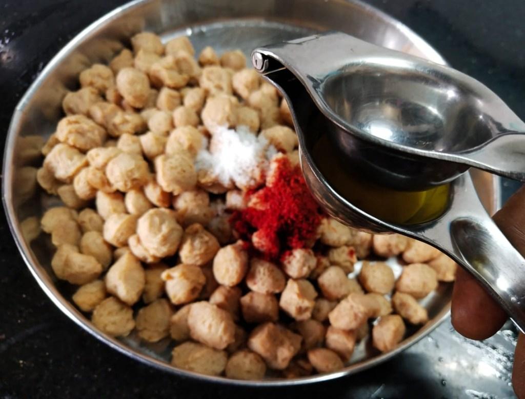 JYJE0818-1024x778 Soya Chunks Dry Masala/ Meal Maker Dry Masala