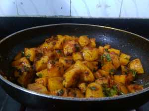 MDCK7723-300x223 Spicy Lebanese Potatoes/ Batata Harra