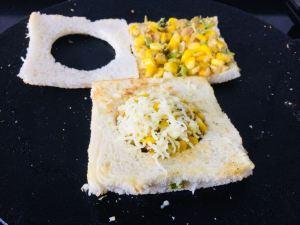 MQTU7350-300x225 Cheesy Corn Diskette Sandwich