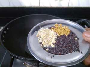 NDYI3617-300x223 Drum Stick in Tomato Gravy/ Moringa in Tomato Gravy/ Thakkali Murungaikai Kuzhambu