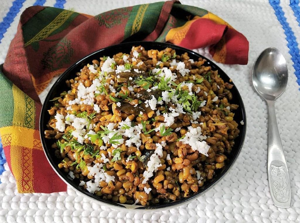 PWOW4732-1024x763 Matki Usal / Moth Bean Dry Curry