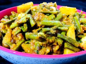 WIQC3448-300x225 Potato Cluster Beans Curry/Aloo Gawar Phalli Subzi