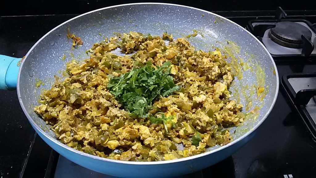 YJTY2572-1024x576 Scrambled Eggs with Green Peppers/Capsicum Egg Bhurji