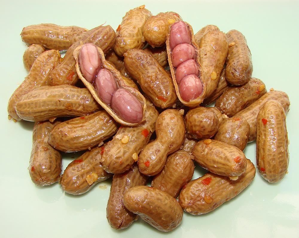 Pat's Spicy Garlic Boiled Peanuts – Tasty Island