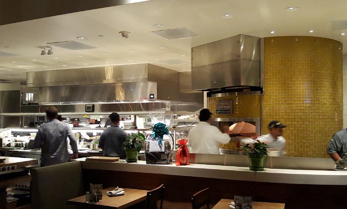 California Pizza Kitchen Ka Makana Ali\'i Kapolei Preview – Tasty Island