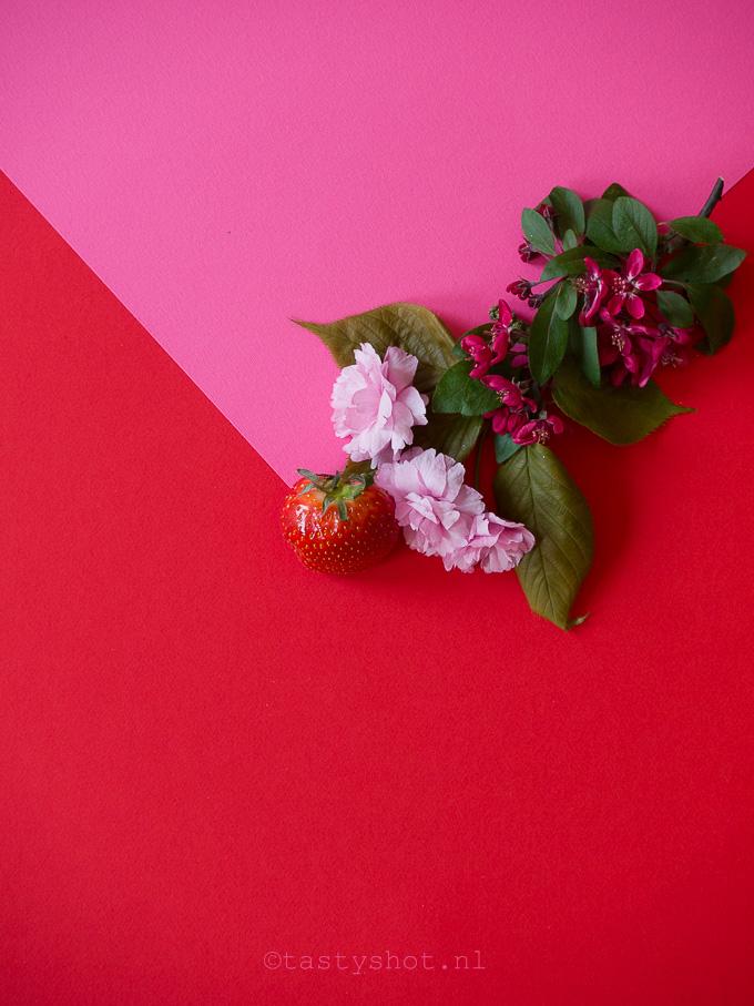 Photography: ©️️️ Gitta Polak www.tastyshot.nl - Strawberry & Flowers / Aardbeien & Bloemen