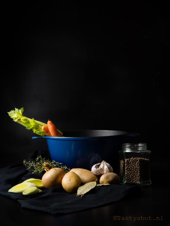 Ingredienten voor linzensoep/ingredients for lentil soup. Photography: © Gitta Polak www.tastyshot.nl