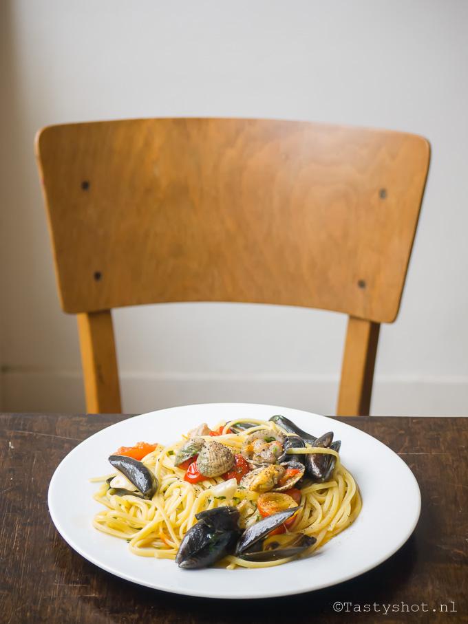 Pasta Pescatore Recipe. Photography: © Gitta Polak www.tastyshot.nl