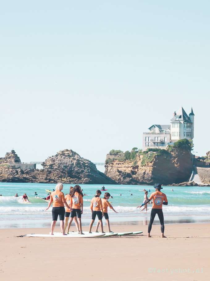 Biarritz Surf School, and recipe: Gefrituurde Spiering / friture/ gavros/ pescaditos fritos. Photography: © Gitta Polak www.tastyshot.nl