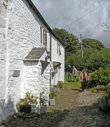 Snap Cottage and Well House