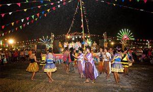Loi-Krahong-Krung-Kao-Festival