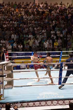 Lumpinee-Boxing-Stadium-Ram-Intra-12