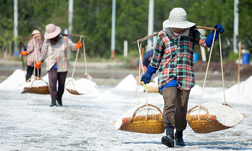 Discover the amazing story of salt and its importance in Thai culinary culture
