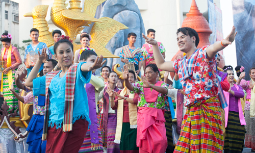 Songkran Splendours kick starts the 2016 New Year with a colourful celebration of Thainess