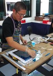 Appreciate the artisans of Bang Sai Royal Folk Arts and Crafts Center in Ayutthaya_artisans at work