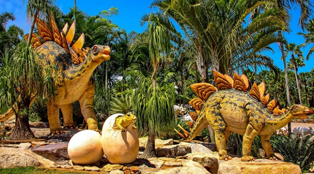 Dinosaur Valley comes to NongNooch Pattaya Garden